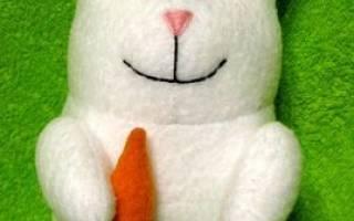 Игрушка зайчик с длинными ушами: схема с видео в статье